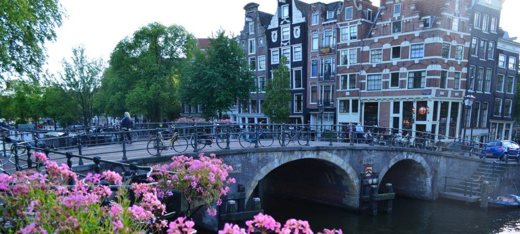 Singing-Neighborhood-of-Amsterdam2